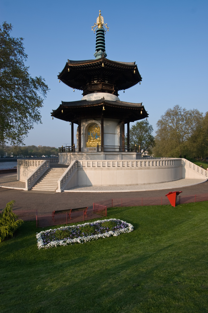 London peace Pagoda in Battersea Park
